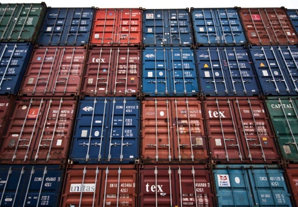 Un operador logístico también podría almacenar Contenedores en un puerto